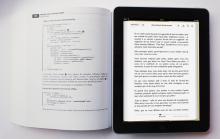 Textbook VS Tablet (Via: Crazyengineers.com)